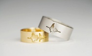 "Waveform wedding rings using the couple's own voice, ""I do"""