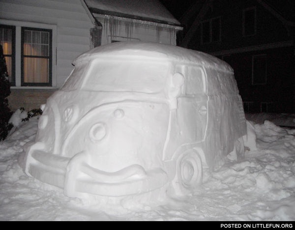 Volkswagen snow bus