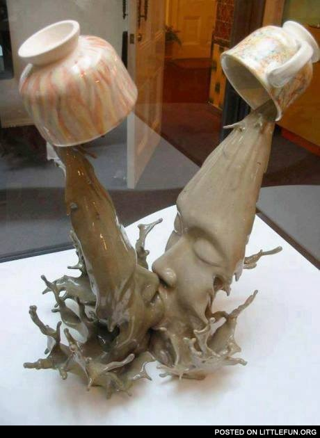 Liquid kiss sculpture