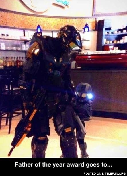 Halo cosplay. Father of the year award goes to...