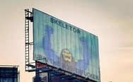 Skeletor on billboard